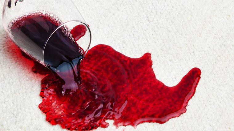 Végre sikerülhet a vörösborfolt eltávolítása nyom nélkül!