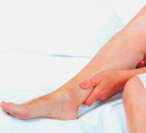 vörös foltok a karokon és a lábakon, a térdek fájnak nagy vörös foltok jelentek meg a testen és viszkető fotó